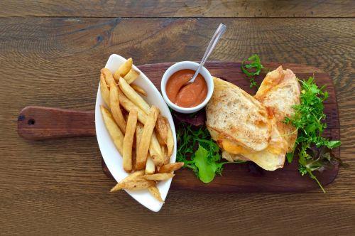 bread-food-sandwich-wood-62097.jpeg